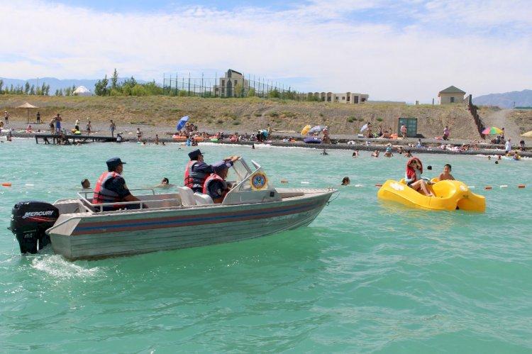 За выходные на водоемах Казахстана спасены 4 человека