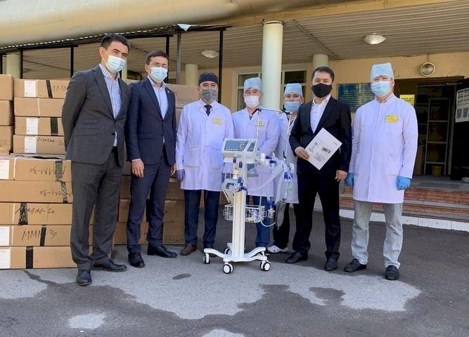 В Алматинскую область доставили аппараты ИВЛ от Фонда Нурсултана Назарбаева