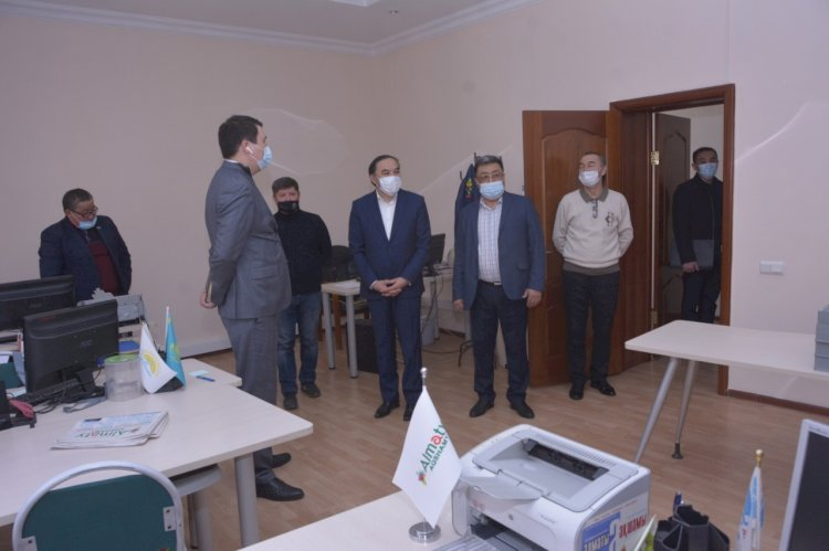 Замакима Алматы посетил медиахолдинг городских изданий Alatay Aqparat
