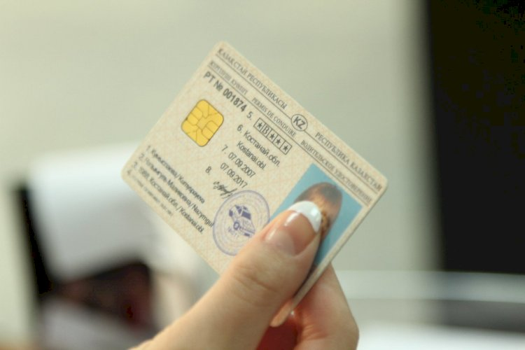 Водительские права в Казахстане могут отменить