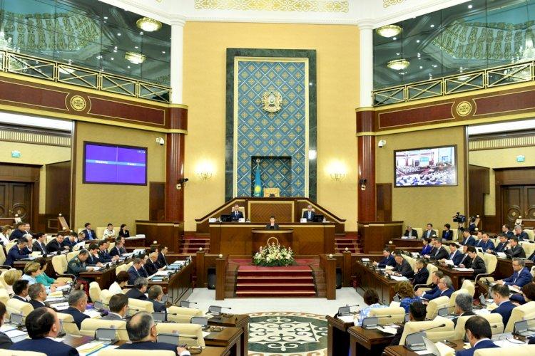 В Алматы стартовали дебаты среди претендентов в кандидаты в депутаты в мажилис парламента