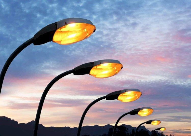 В Турксибском районе Алматы продолжается обновление системы уличного освещения