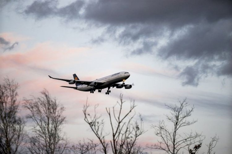 Почти 150 авиапассажиров без ПЦР-справок прибыли в Казахстан