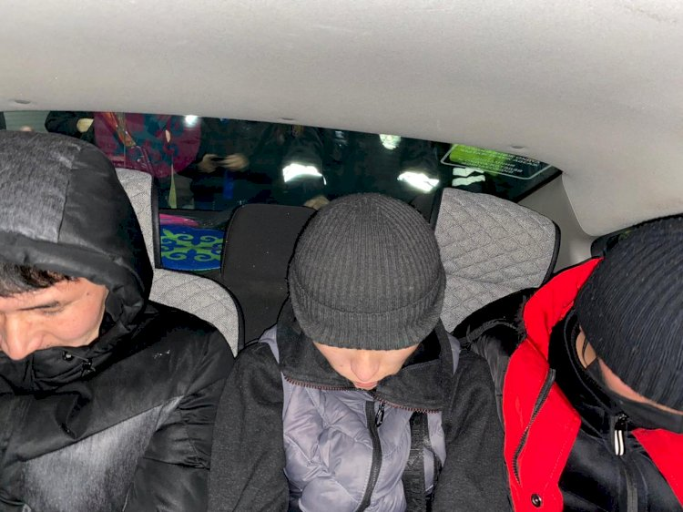 По горячим следам задержали грабителей, отнявших телефон у ребенка в Алматы