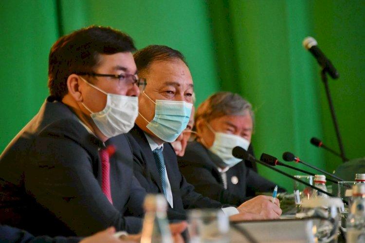 Ералы Тугжанов провел встречи с творческой интеллигенцией Алматы