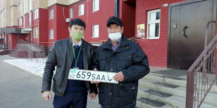 Доставку госномера и техпаспорта на дом стали заказывать казахстанцы