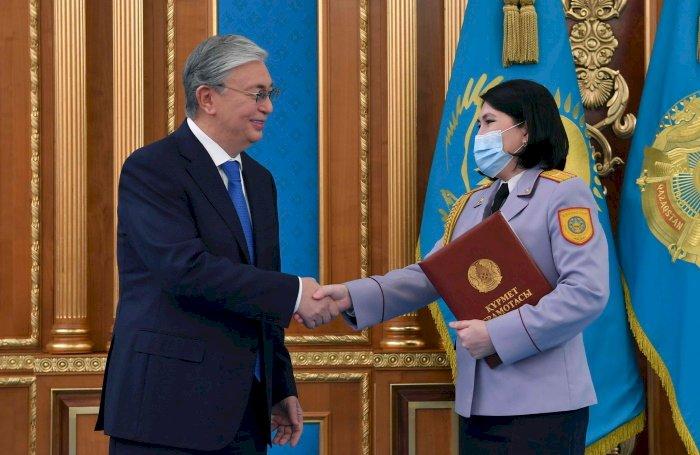 Президент вручил государственные награды ряду казахстанцев