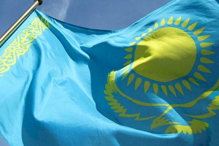 Представители центра «Бақытты отбасы» поздравили алматинцев с Днем Независимости
