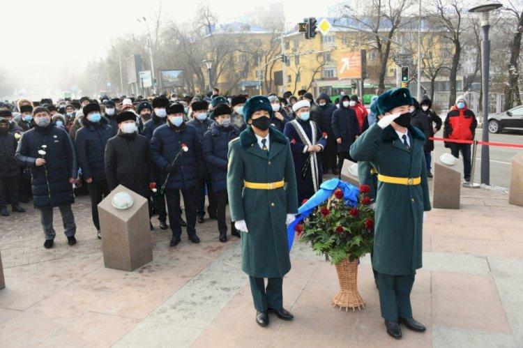 Память жертв декабрьских событий 1986 года почтили в Алматы