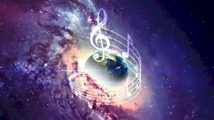На сайте «Роскосмоса» появились песни Рогозина
