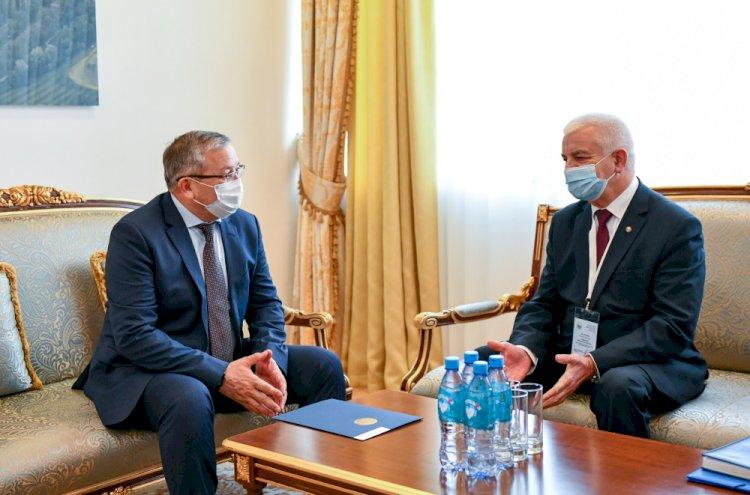 Марат Сыздыков принял главу миссии наблюдателей СНГ