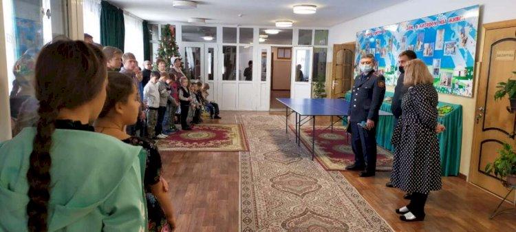 Полицейские посетили детский дом в Алматинской области