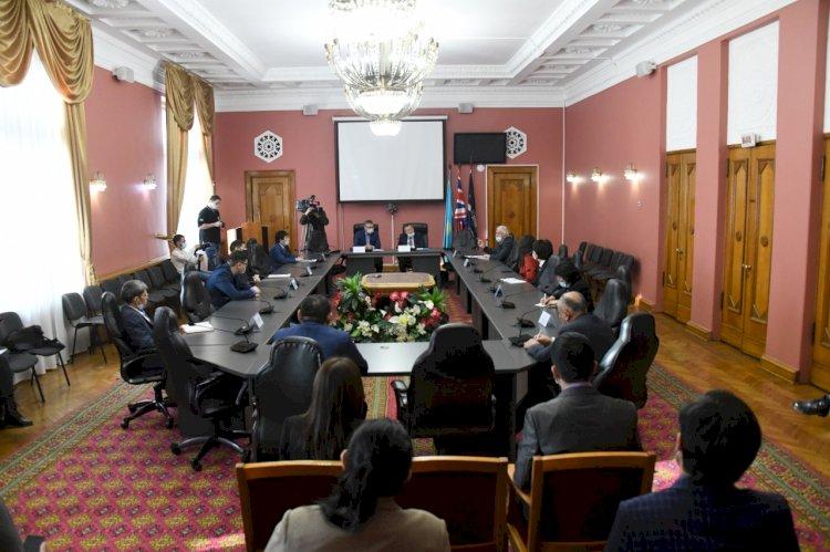 Алматинские политологи обсудили предстоящие выборы