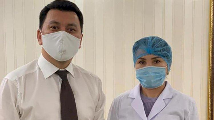 Помощник Президента РК испытал на себе казахстанскую вакцину от коронавируса