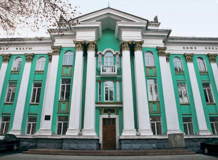 Аким Алматы ознакомился с ходом реконструкции здания Союза писателей