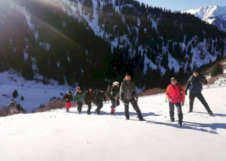 Альпинист едва не лишился зрения в алматинских горах