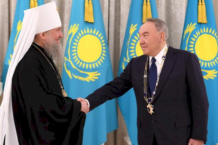 Нурсултану Назарбаеву вручена высшая награда Православной Церкви Казахстана