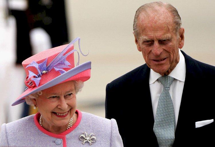 Королевская семья Великобритании получила прививку от COVID-19