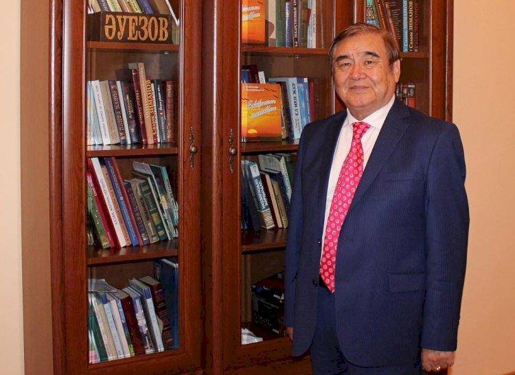 Ушел из жизни известный казахстанский певец и композитор Ескендир Хасангалиев