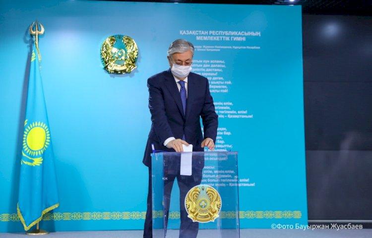 Президент проголосовал за кандидатов в депутаты Мажилиса от АНК