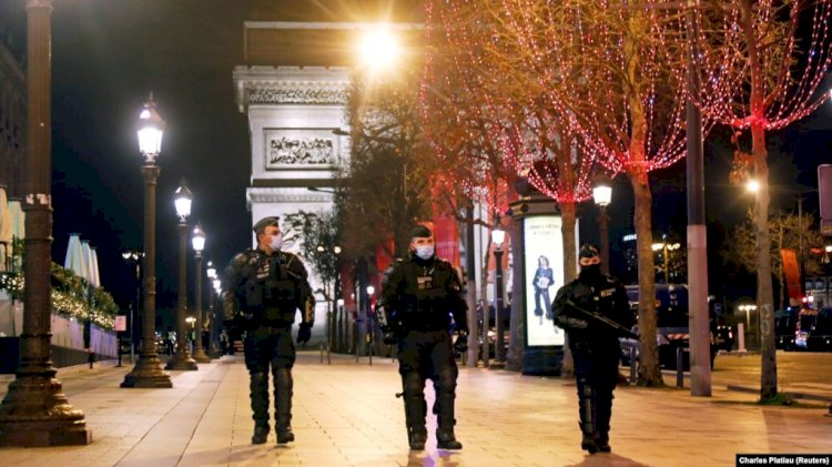 Франция вводит комендантский час из-за COVID-19