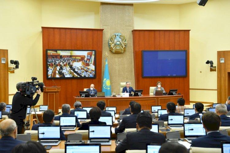 В Мажилисе избрали председателей комитетов