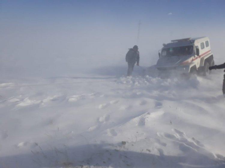 Полностью закрыто движение на одной из автотрасс Алматинской области