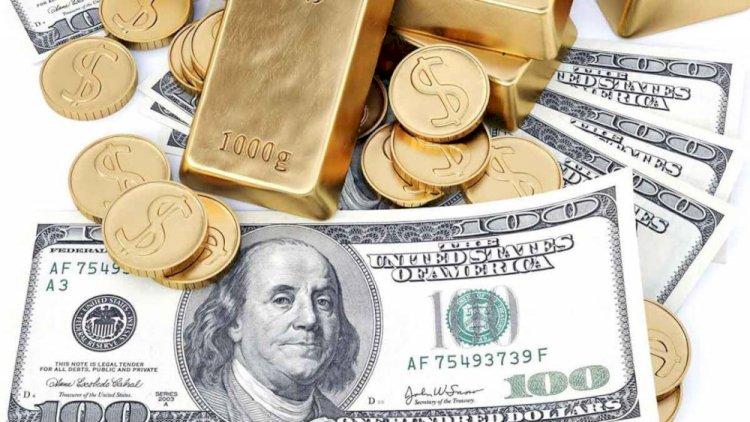 Об изменении курса доллара предупреждают казахстанцев