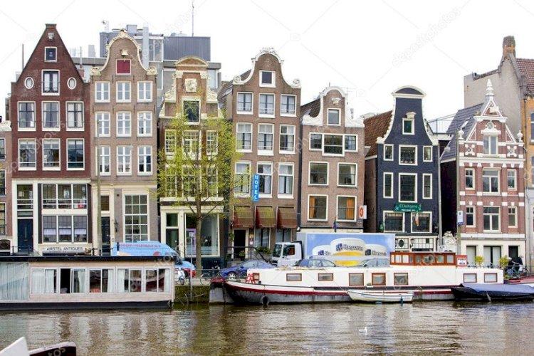 Нидерланды впервые после Второй мировой войны вводят комендантский час