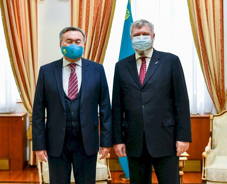 Мухтар Тлеуберди принял послов Украины и Турции