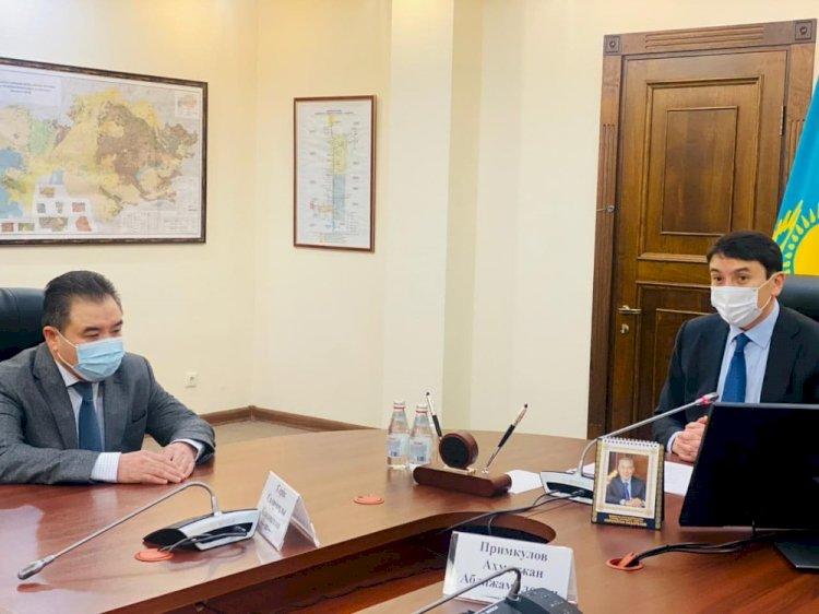 Глава Минэкологии представил коллективу нового вице-министра