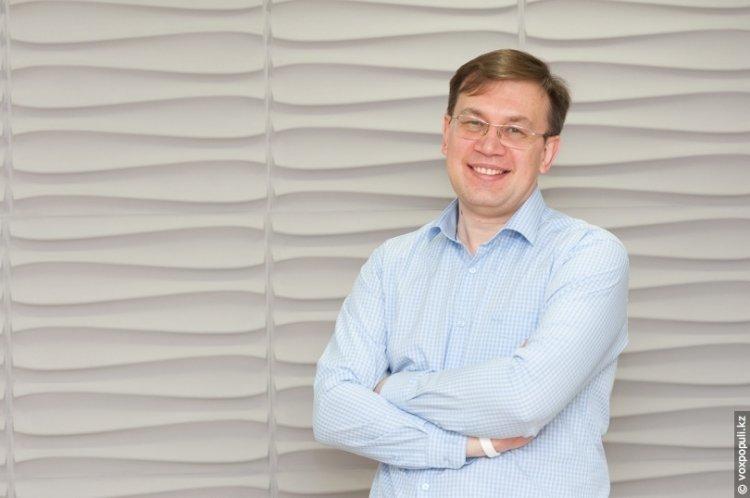 Скончался известный казахстанский журналист Михаил Дорофеев