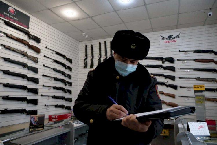 Более 500 единиц оружия уничтожили алматинские полицейские
