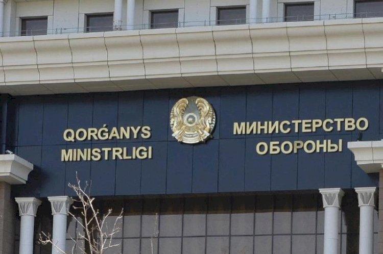 Более 100 тысяч казахстанцев возьмут на воинский учет