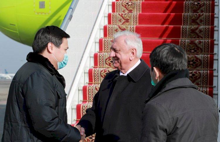 Делегация ЕЭК прибыла в Алматы