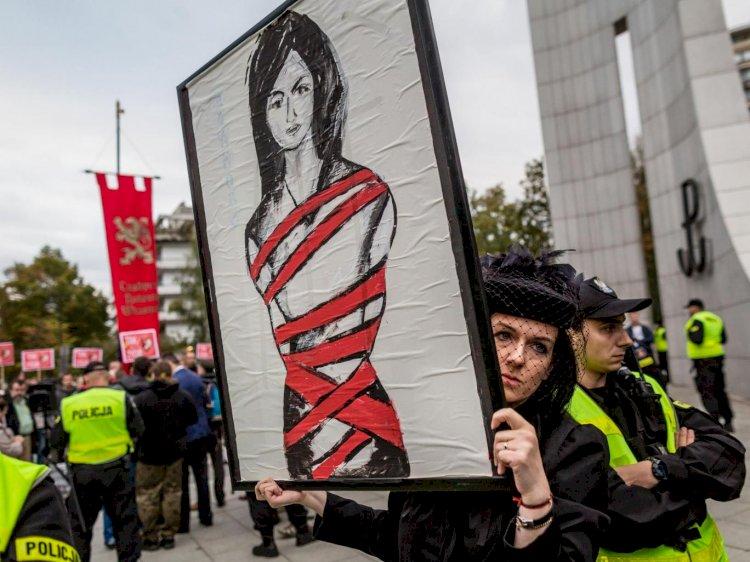 В Польше откроют «комнаты плача» для беременных