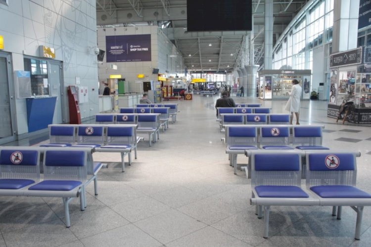 Как в аэропорту Алматы контролируется соблюдение санитарных норм