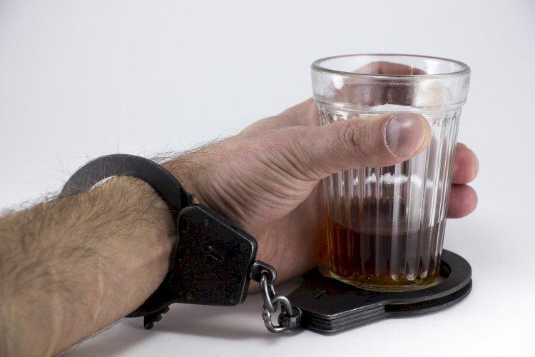 Почему казахстанцы стали пить больше и что может изменить ситуацию