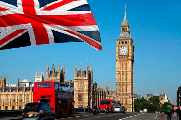 Британские власти планируют к лету полностью выйти из локдауна