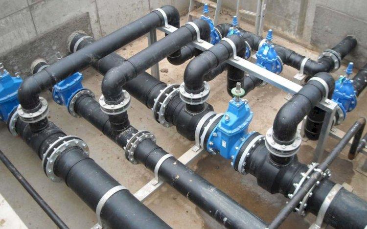 Из-за непогоды перенесли сроки ремонта водопровода на нескольких улицах Алматы