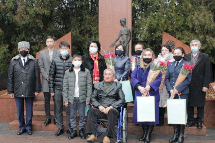 Полицейские Алматы встретились с семьями погибших сотрудников
