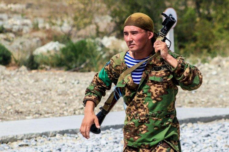 Казахстанские десантники готовятся к «АрМИ-2021»