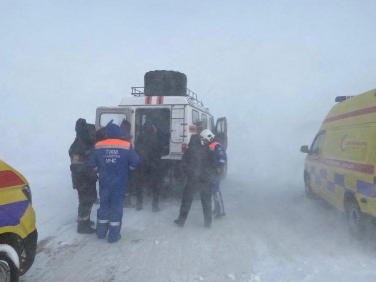 Не доехали до больницы: как сотрудники МЧС спасли медиков и больных