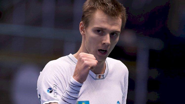 Казахстанский теннисист вышел в полуфинал ATP 250 в Сингапуре