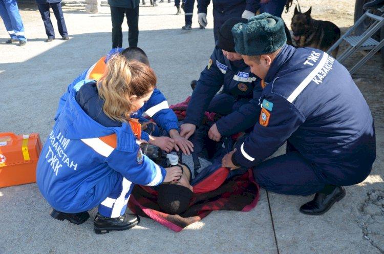 Алматинские спасатели провели мастер-класс для людей с нарушением слуха