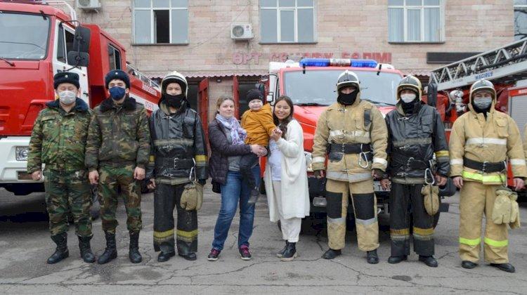 Алматинские пожарные организовали экскурсию для особого посетителя