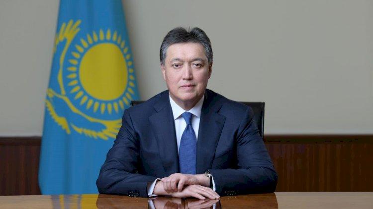 Аскар Мамин поздравил казахстанцев с Днем благодарности