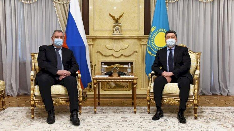Аскар Мамин провел встречу с главой «Роскосмоса»