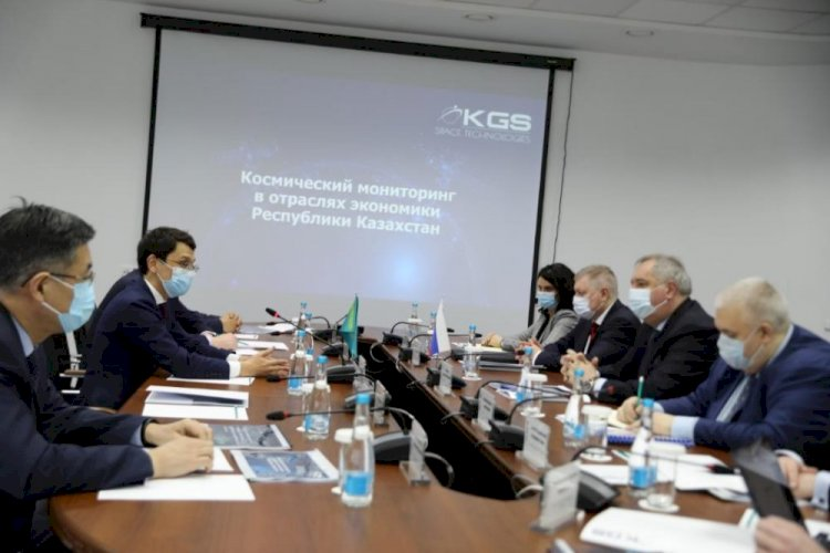 Багдат Мусин встретился с главой «Роскосмоса»