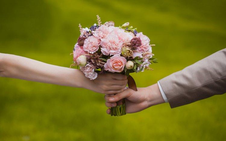 Дарите женщинам цветы – коронавирус через них не передается
